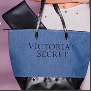 ヴィクトリアズシークレット(Victoria's Secret)の♡ヴィクシートートバッグ♡ポーチ付き新品(トートバッグ)