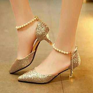 新品送料込◆おしゃれパンプス◆ベルト付◆パーティ◆結婚式◆靴ゴールド22.5cm(ハイヒール/パンプス)