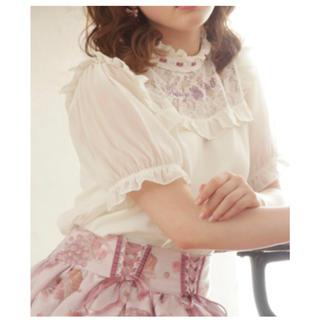 リズリサ(LIZ LISA)の(L45) グレープ刺繍トップス LIZ LISA(カットソー(半袖/袖なし))
