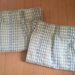 ベルメゾン(ベルメゾン)のベルメゾン千趣会*淡いグリーンのカーテン100x140  2枚(カーテン)