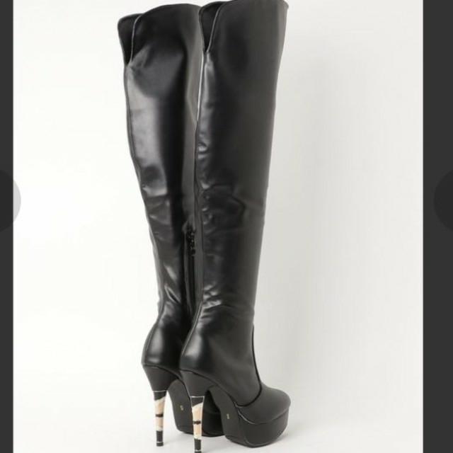 Mafmof(マフモフ)ブロックヒールのニーハイブーツ 新品 レディースの靴/シューズ(ブーツ)の商品写真