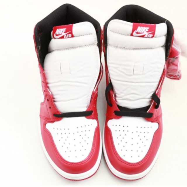 NIKE(ナイキ)のNIKE AIR JORDAN 1 HIGH OG CHICAGO 28cm メンズの靴/シューズ(スニーカー)の商品写真