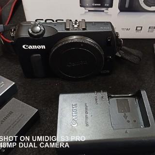 Canon - EOS M 美品 バック予備バッテリー付