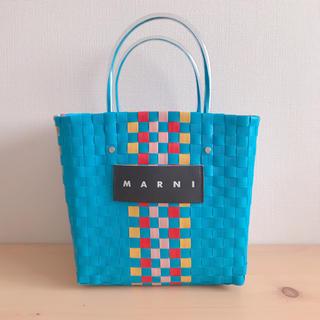 マルニ(Marni)のMARNI マルニフラワーカフェ ピクニックバック ブルー(かごバッグ/ストローバッグ)