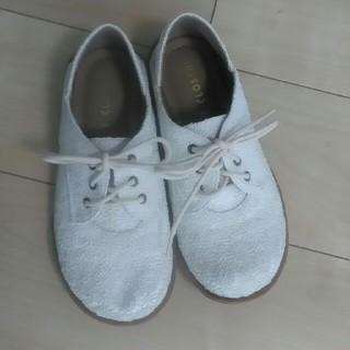 シマムラ(しまむら)のCLOSSHI 白の靴 Mサイズ(ローファー/革靴)