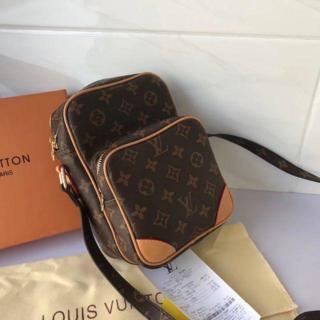 LOUIS VUITTON - セール!綺麗なデザイン!美品!ルイ ヴィトン ショルダーバッグ