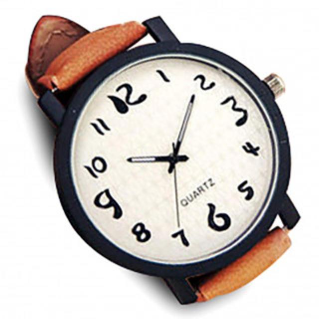 ユニーク シンプル デザイン 文字盤 アナログ ウォッチ 腕 時計 ファッションの通販 by ビシエド's shop|ラクマ