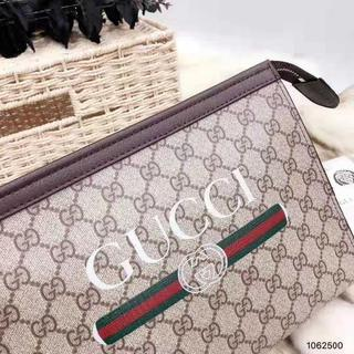 Gucci - GUCCI クラッチバッグ 男女兼用 グッチ バッグ