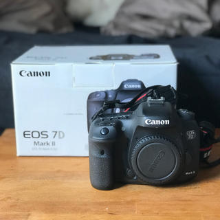Canon - Canon 7D Mark2