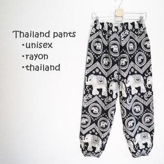 【新品】レーヨンタイパンツ ブラック 大小象柄