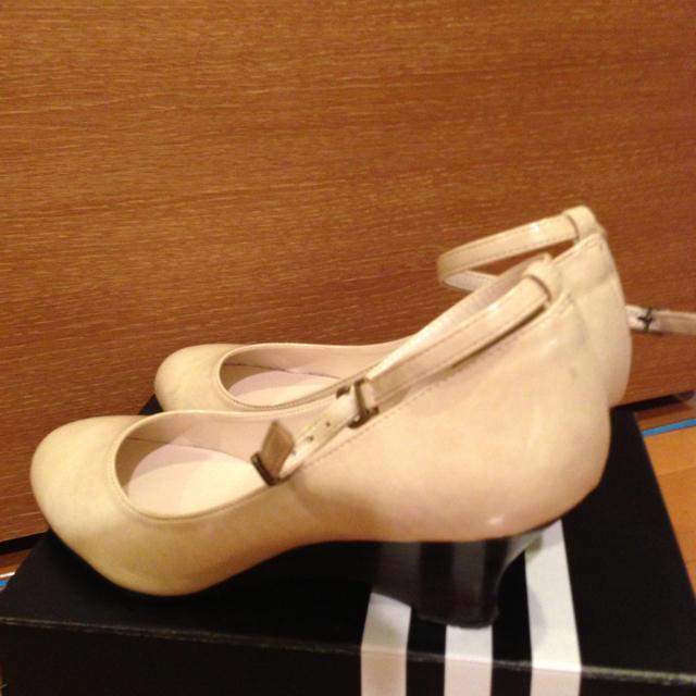 白 ウェッジソールパンプス☆送料込☆ レディースの靴/シューズ(ハイヒール/パンプス)の商品写真