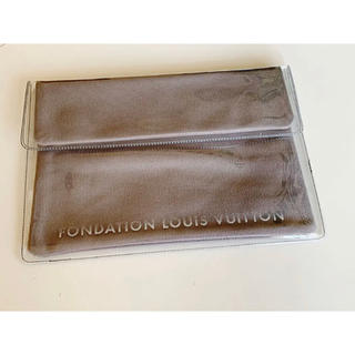 LOUIS VUITTON - FONDATION LOUIS VUITTON クラッチバック日本未発売