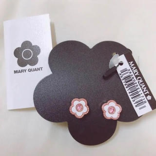 MARY QUANT - 新品 マリクワ ピアス お花 デイジー