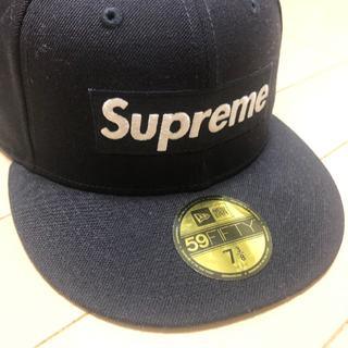 Supreme - Playboy Box Logo New Era 7-3/8 ネイビー navy