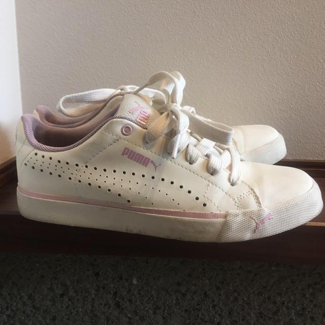 PUMA(プーマ)のプーマ スニーカー ホワイト ピンク レディースの靴/シューズ(スニーカー)の商品写真