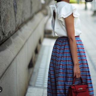 チェスティ(Chesty)のakiki ボーダープリントスカート 新品未使用(ロングスカート)