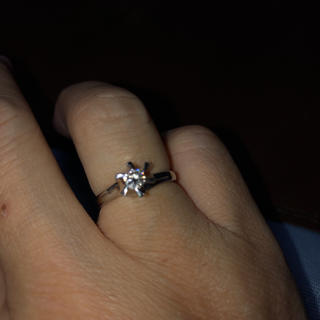 プラチナ900立て爪天然ダイヤモンド美品(リング(指輪))