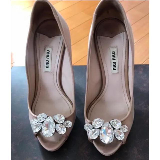 miumiu(ミュウミュウ)のmiumiu ビジュー パンプス レディースの靴/シューズ(ハイヒール/パンプス)の商品写真