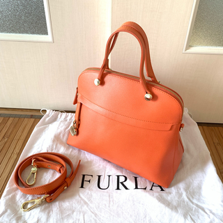 フルラ(Furla)の美品 FURLA  パイパー オレンジ(ショルダーバッグ)