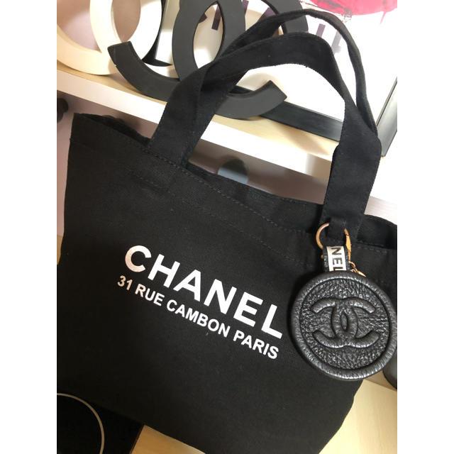 CHANEL(シャネル)のCHANEL トートバッグ キャンバス トート 黒 シャネル トートバック  レディースのバッグ(トートバッグ)の商品写真