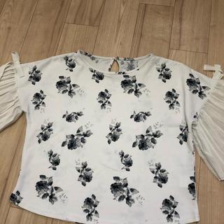 シマムラ(しまむら)の花柄トップス(カットソー(半袖/袖なし))