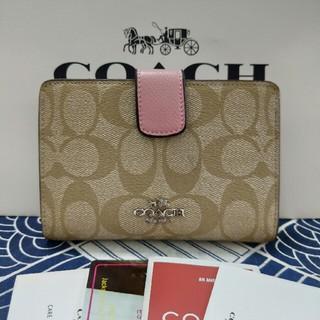 COACH - COACH 二つ折りミニ財布新品未使用 F53562