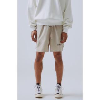 フィアオブゴッド(FEAR OF GOD)のEssentials Nylon Active Shorts リフレクティヴ(ショートパンツ)