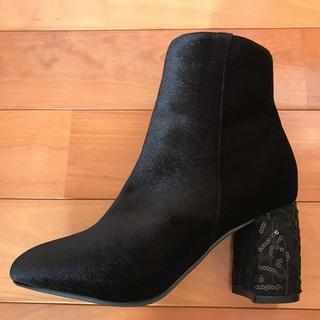アベイル(Avail)のベロア 踵 デザイン ブーツ ブラック(ブーツ)