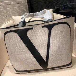 VALENTINO - Valentino 大人気 トートバッグ