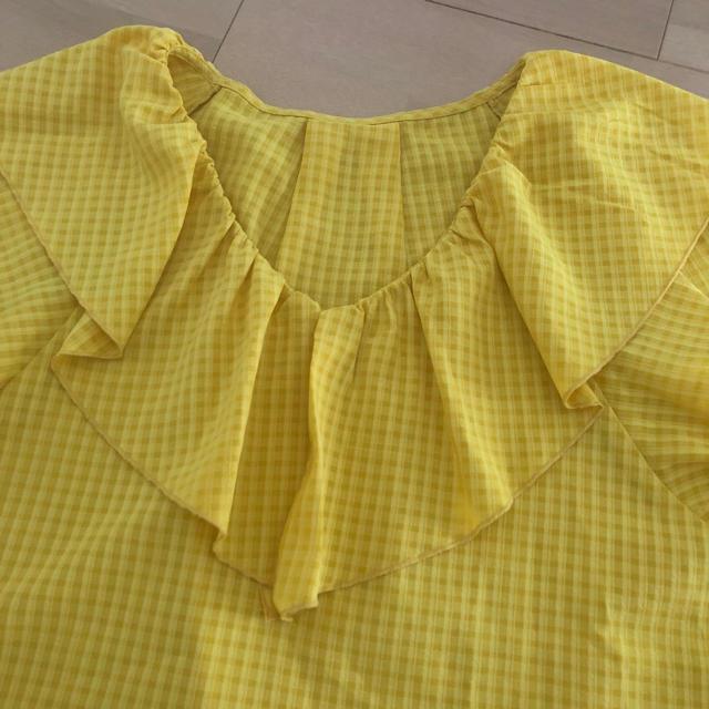 GU(ジーユー)のギンガムチェックトップス☆送料込 レディースのトップス(シャツ/ブラウス(半袖/袖なし))の商品写真