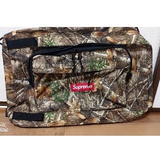 Supreme - supreme duffle bag