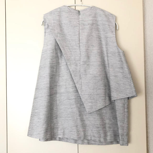 ENFOLD(エンフォルド)のENFOLD ノースリーブ ブラウス 38 グレー レディースのトップス(シャツ/ブラウス(半袖/袖なし))の商品写真