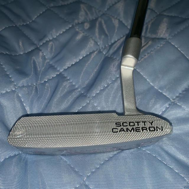 Scotty Cameron(スコッティキャメロン)の時間限定値引 セレクト ニューポート2 シルバー タイトリスト キャメロン スポーツ/アウトドアのゴルフ(クラブ)の商品写真