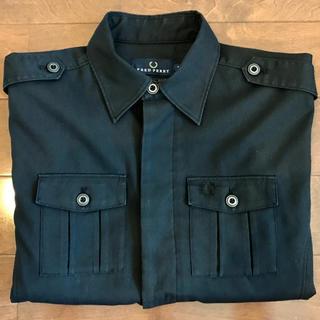 フレッドペリー(FRED PERRY)の美品 FRED PERRY シャツジャケット ミリタリーシャツ(シャツ)