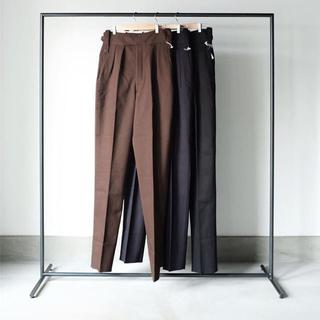 コモリ(COMOLI)のNEAT Cotton Kersey Beltless Pants(スラックス)