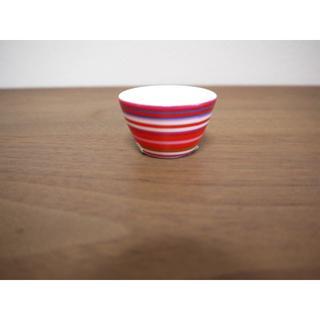 イッタラ(iittala)のイッタラ origo オリゴ レッド  エッグカップ  新品 送料込み(食器)
