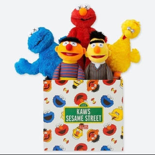SESAME STREET - UNIQLO×KAWSセサミストリートトイコンプリートボックスBOX
