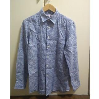 ユニクロ(UNIQLO)のリバティプリントシャツ(シャツ)
