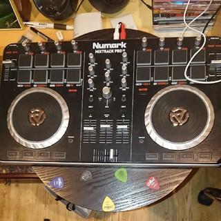 DJ機器(DJコントローラー)