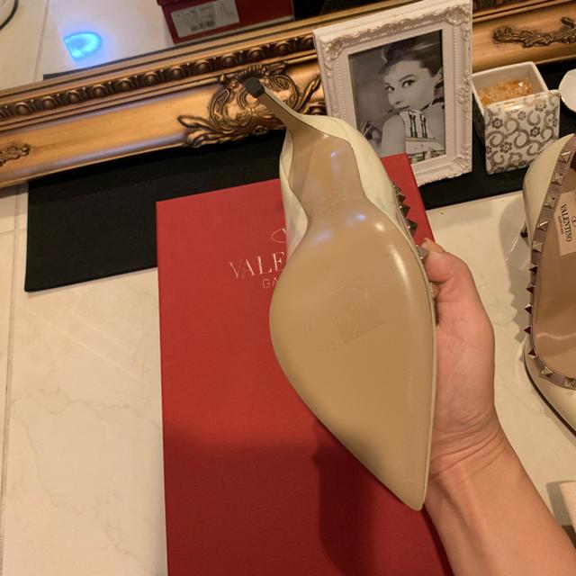 VALENTINO(ヴァレンティノ)のVALENTINO レディースの靴/シューズ(ハイヒール/パンプス)の商品写真