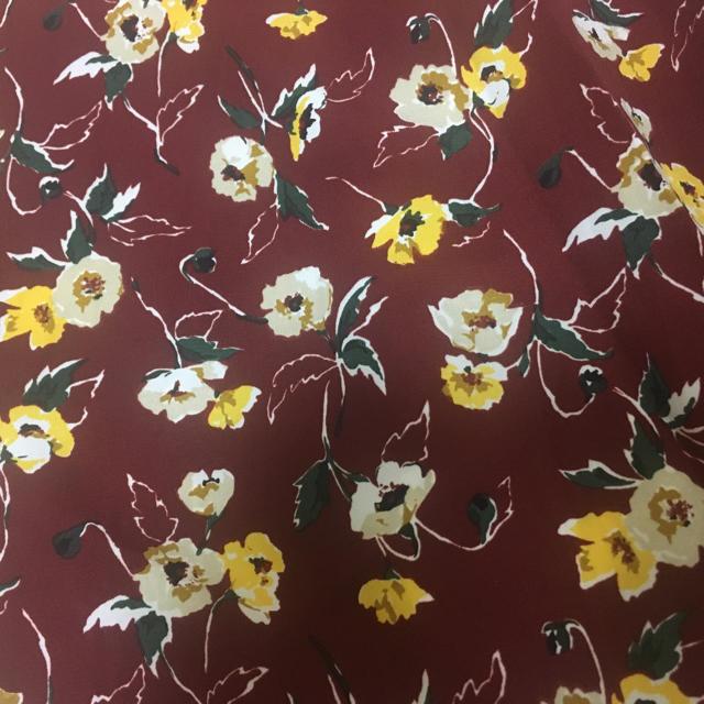 GU(ジーユー)の花柄ワイドパンツ レディースのパンツ(カジュアルパンツ)の商品写真