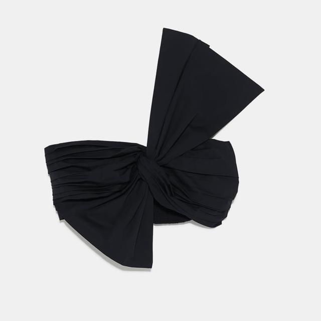 ZARA(ザラ)の最終価格。ZARA 新品 フロントリボンデザイントップス レディースのトップス(カットソー(半袖/袖なし))の商品写真