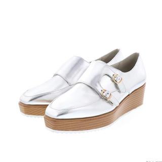 ランダ(RANDA)のRANDA 厚底 シルバー シューズ 美品 (ローファー/革靴)