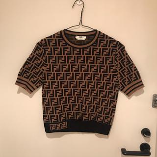 フェンディ(FENDI)の美品 fendi マルチカラーファブリック セーター ニット FFマーク(ニット/セーター)
