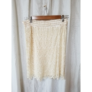 バーニーズニューヨーク(BARNEYS NEW YORK)のホワイトレーススカート(ひざ丈スカート)