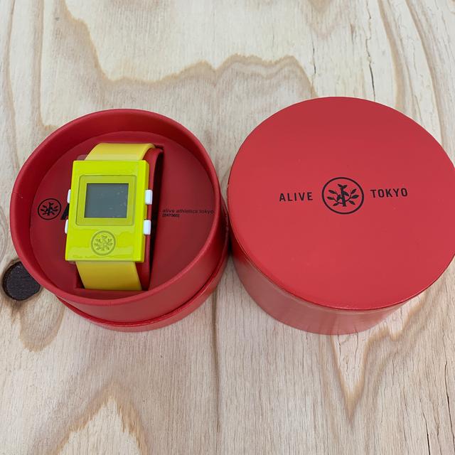 Alive Athletics(アライブアスレティックス)の◆新品未使用◆ALIVE腕時計 SIMPLE yellow メンズの時計(腕時計(デジタル))の商品写真