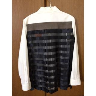 レイビームス(Ray BEAMS)のRay Beams x SWAN LAKEコラボデザイン白シャツ(シャツ/ブラウス(長袖/七分))