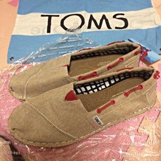 トムズ(TOMS)の新品 送料込 w7.5(スニーカー)