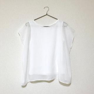 ジーユー(GU)の白 ブラウス(シャツ/ブラウス(半袖/袖なし))