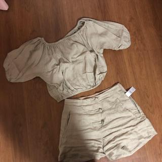 スライ(SLY)のスライ SLY リネンセットアップ オフショルダー ショートパンツ 未使用(Tシャツ(半袖/袖なし))
